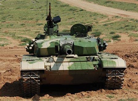 中国新型坦克配激光通信系统 可防电磁干扰