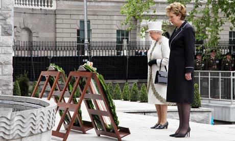 专译 英女王百年首访爱尔兰 目的何在图片