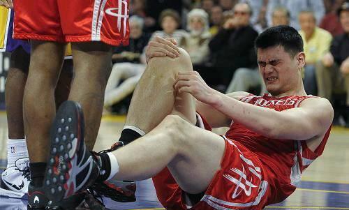 除脚伤外姚明还有鲜为人知的先天缺陷伟大令人敬仰