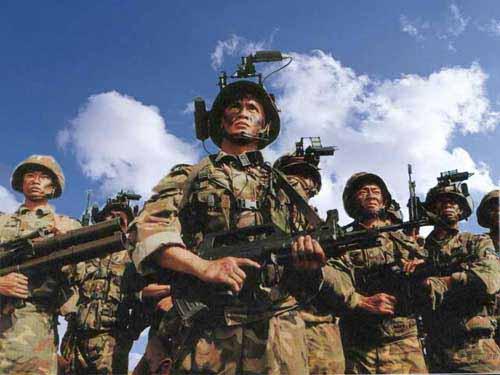 直击解放军特种兵进行 猎人训练