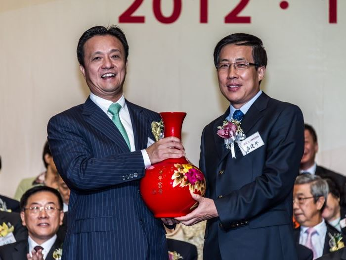左起:姚志胜,杨建平合影留念.