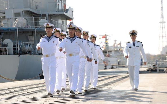 帅气!中国海军初级男士官正式着水兵服 - 军心飞扬 - 军心飞扬