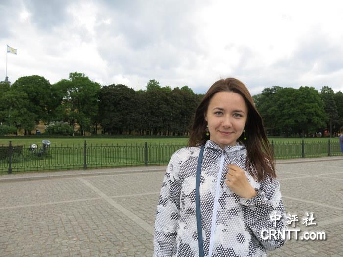 香港美女导游_中国评论新闻:中评特写:俄罗斯美女导游情定香港