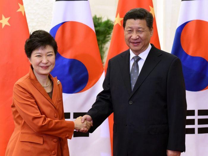 中国评论新闻:日媒最新披露:朴槿惠将出席中国