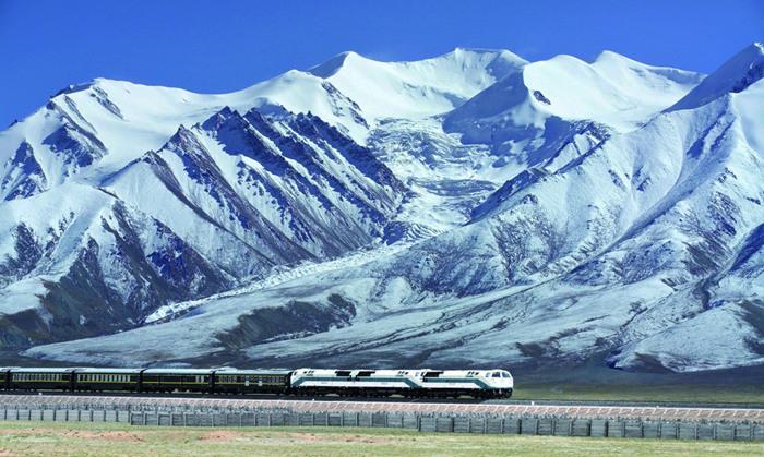 中国评论新闻:青藏铁路10周年:坐上火车去拉萨