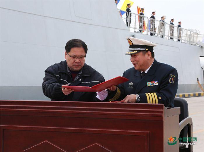 中国海军新一代轻型护卫舰乌海舰正式入列图片