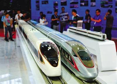 复兴号 高铁列车模型亮相交通展