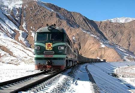 青藏铁路货车试运行1日全面启动.