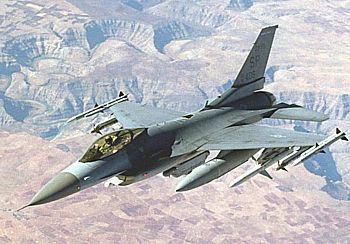 中国评论新闻 台拟改购AV战机取代F16 背后角力很复杂