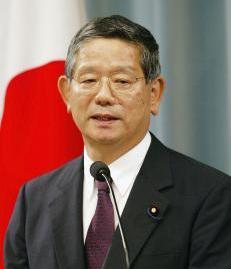 日本新任外相町村信孝表示,他没有在任外相期间参拜靖国神社的计划.