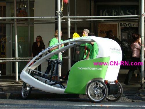纽约市的环保人力计程车是一大特色.春暖花开的季节,曼哈坦中城有