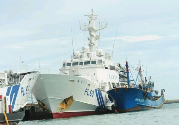 日本海上保安厅巡逻船2010年9月7日上午在钓鱼岛附近