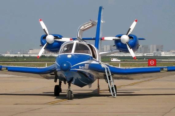 别-103水陆两栖飞机.
