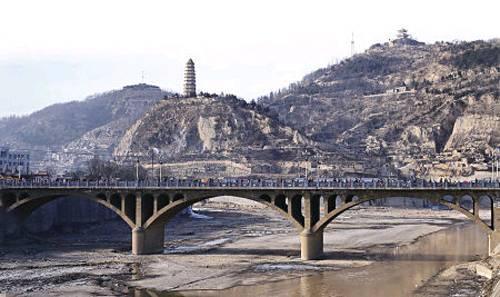 中国红色旅游催生延安精神