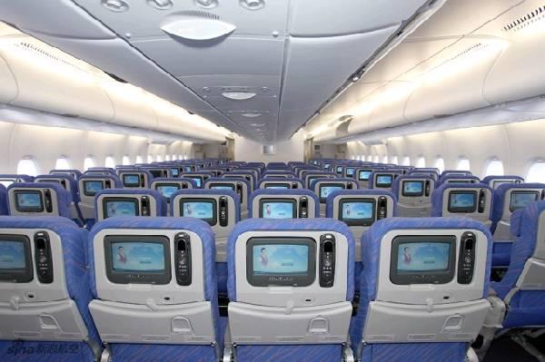 中国首架空客a380客机经济舱内部.