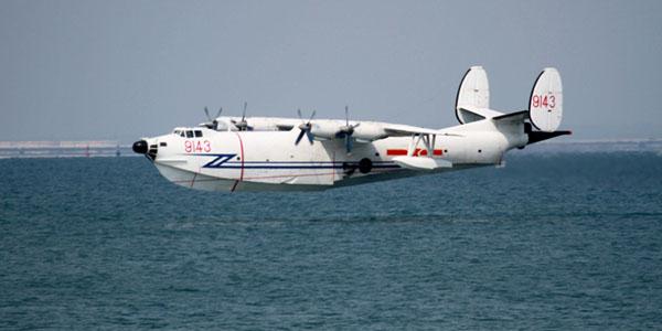 中国海军水上飞机掠海飞行