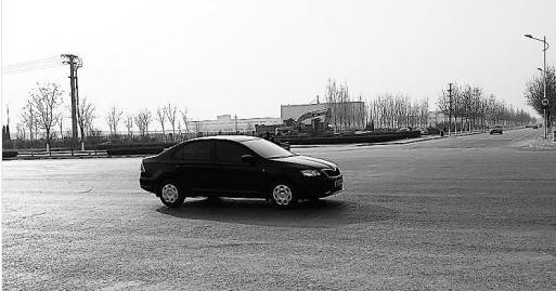 中评社北京1月15日电/1月12日9时左右,一辆驾校的教练车与一辆车牌照为冀t牌照的面包车相撞,事故造成教练车上一位学员死亡、包括教练在内的其余5人受伤,面包车副驾驶鼻骨骨折.