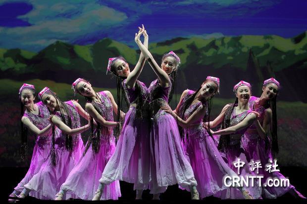 南京前綫歌舞团的舞蹈《少女的春天》(中评社记者 宋楷文摄)-中国