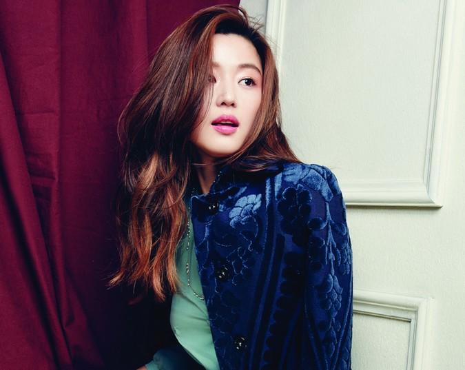 韩27岁整容美女如十岁少女