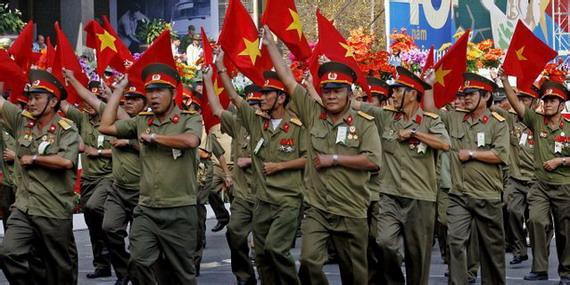 中国评论新闻:越南畸形经济:近邻动荡会波及中