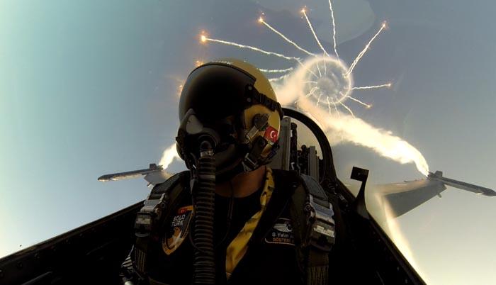 土耳其空军个人特技飞行表演队飞行员自拍