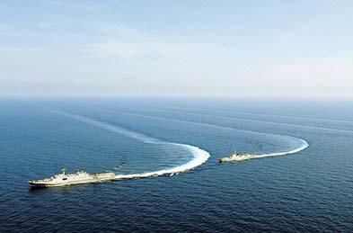 南海舰队发现不明飞机 舰长称高度戒备