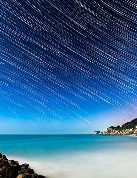 摄影师镜头下英国怀特岛的熠熠星空(组图)