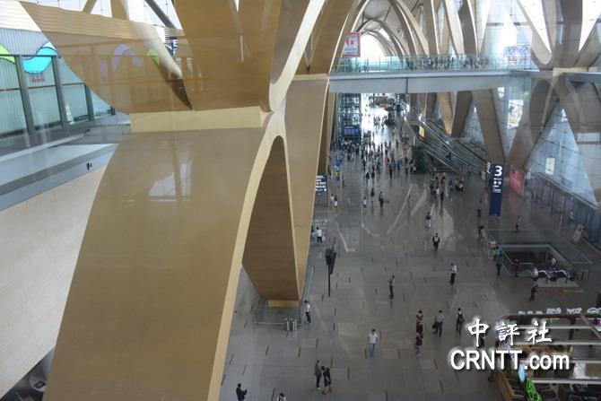 云南昆明长水国际机场大厦有雄伟的钢结构工程设计
