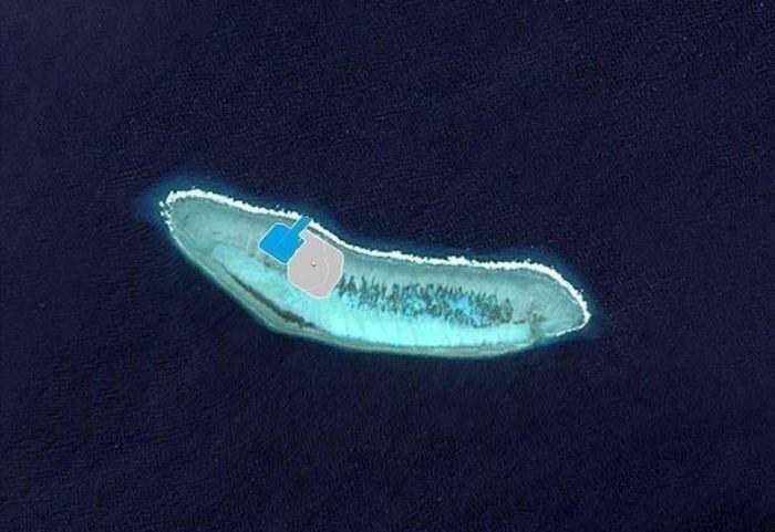 南海华阳礁填海造岛作业火热进行(组图)