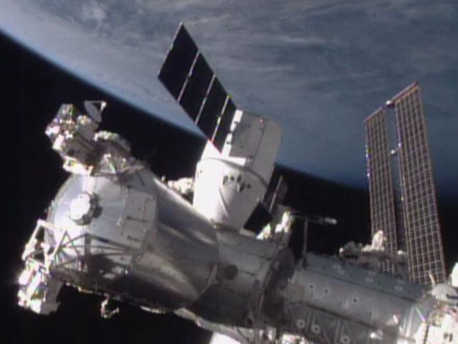 spacex飞龙号 航抵国际太空站
