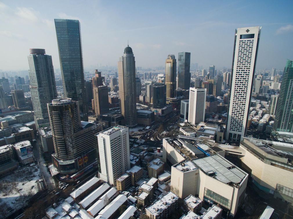 这是南京市中心新街口(1月23日摄).新华社