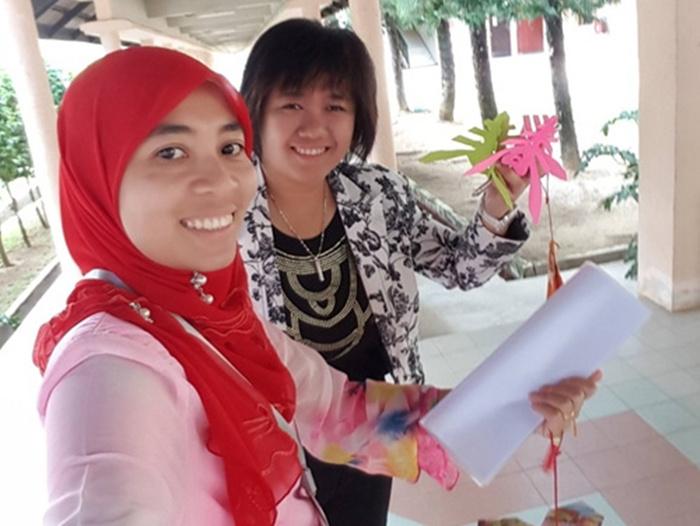 小学生中秋节剪纸花步骤