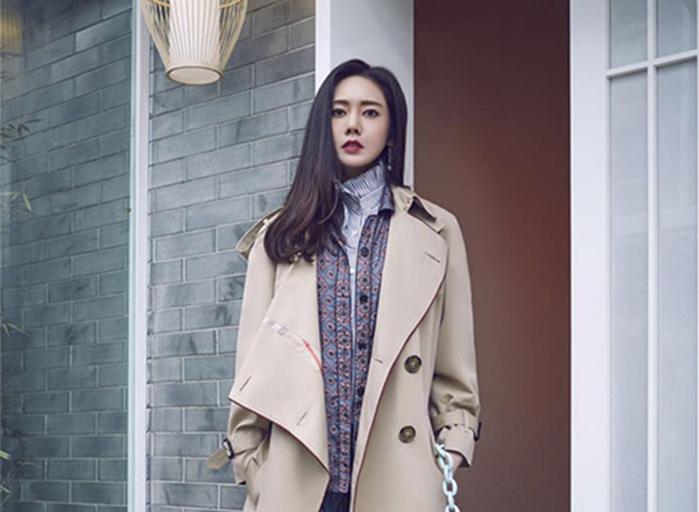 秋瓷炫街拍大片曝光 時尚穿搭盡顯優雅