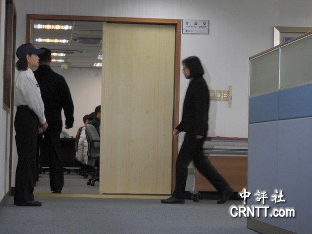 重庆时时彩注册帐号:民�M�h也�M是拒�R 蔡出席中���未回��媒�w