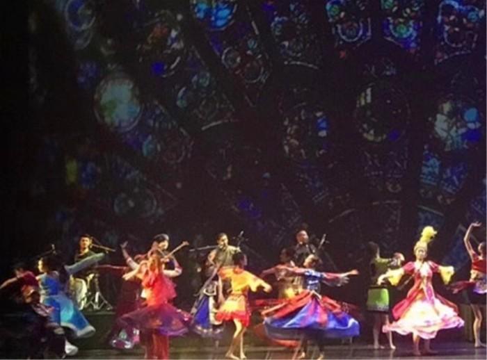 权威站点:《Memory5D+》��意秀在北京首演