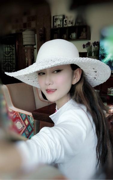电子游戏新网址:59�q�铥�萍近照 穿白裙�r花簇�盹h仙��