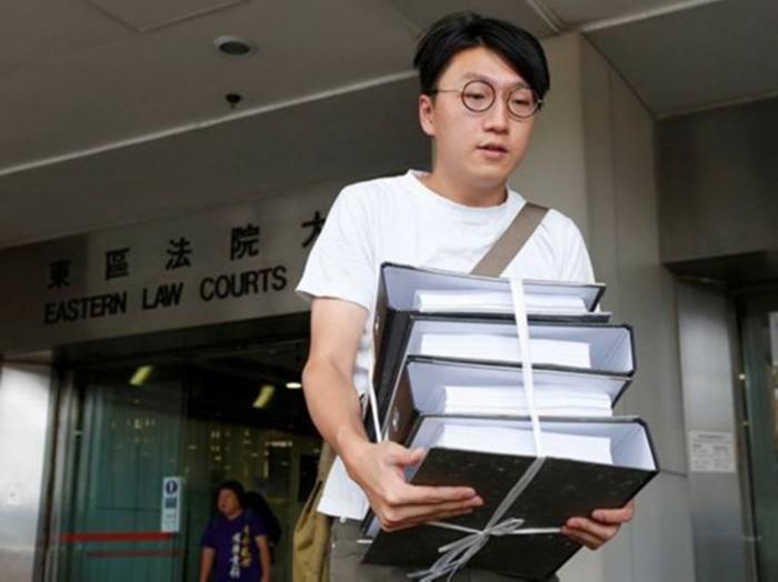 新加坡金沙娱乐赌场:香港法院裁�Q旺角暴�y�⑴c者暴�幼锍闪�