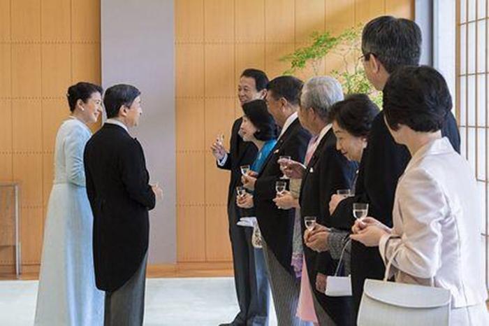 奖多多彩票真的假的:日本德仁皇太子夫�D�Y婚25周年