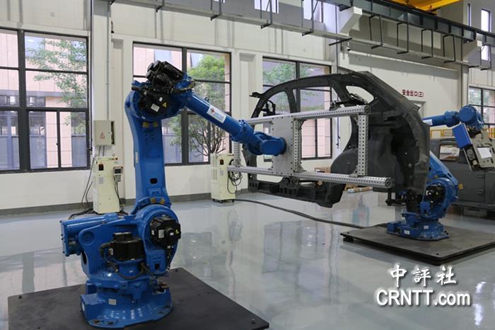北京快乐8是谁开奖的:�L沙1� 湖南首台自主研�l多功能�C器人